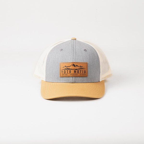 af17d291c LEATHER PATCH TRUCKER HAT BEIGE/GREY/WHITE